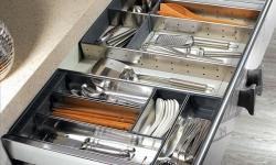 Khay chia thìa nĩa – phụ kiện không thể thiếu trong mọi căn bếp