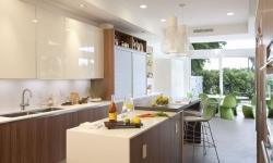 Có nên làm tủ bếp bằng nhựa Picomat không?