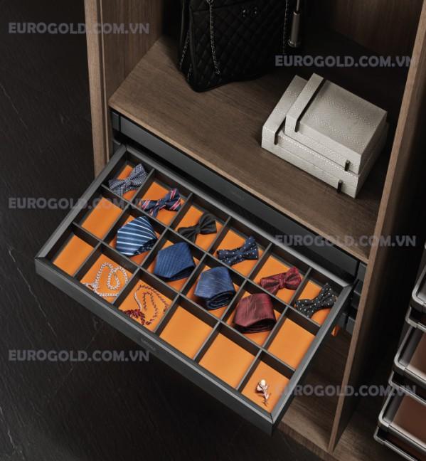 Giá để đồ trang sức, ray giảm chấn Eurogold màu đen