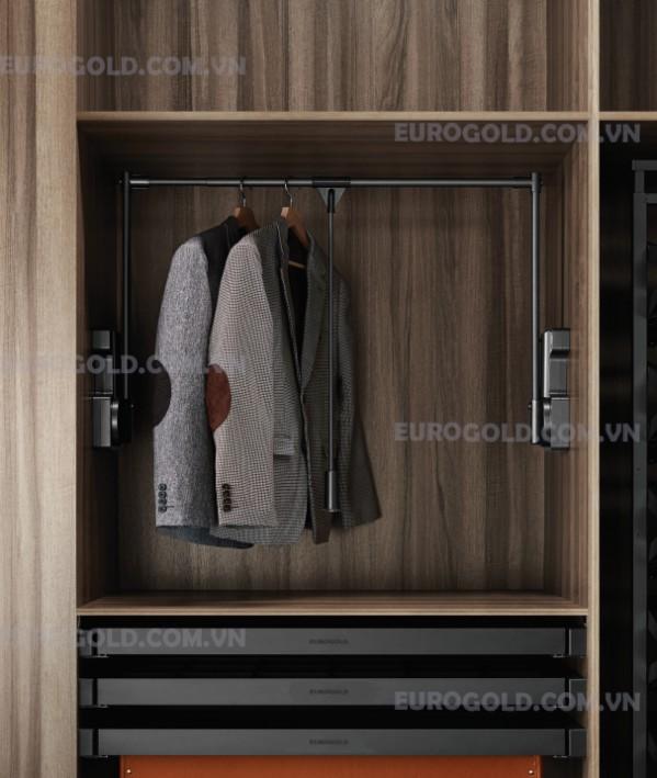 giá mắc quần áo di động Eurogold;